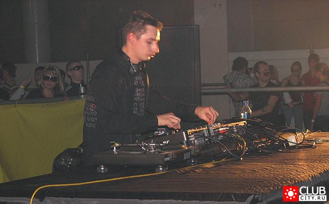 Фото #1 - GATECRASHER LIVE IN N.NOVGOROD 15 декабря 2007 Новгородская ярмарка, павильон 1 Н. Новгород